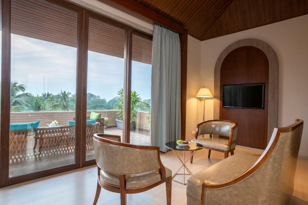 luxury hotels in candolim goa